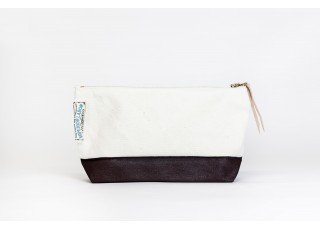 cotton-canvas-pouch-03-brown